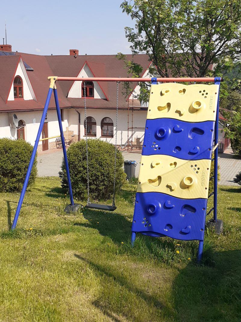 scianka-wspinaczkowa-dla-dzieci-agroturystyka